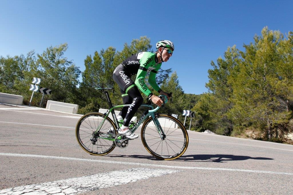 Bauke Mollema pushes on his new Bianchi Oltre XR.2