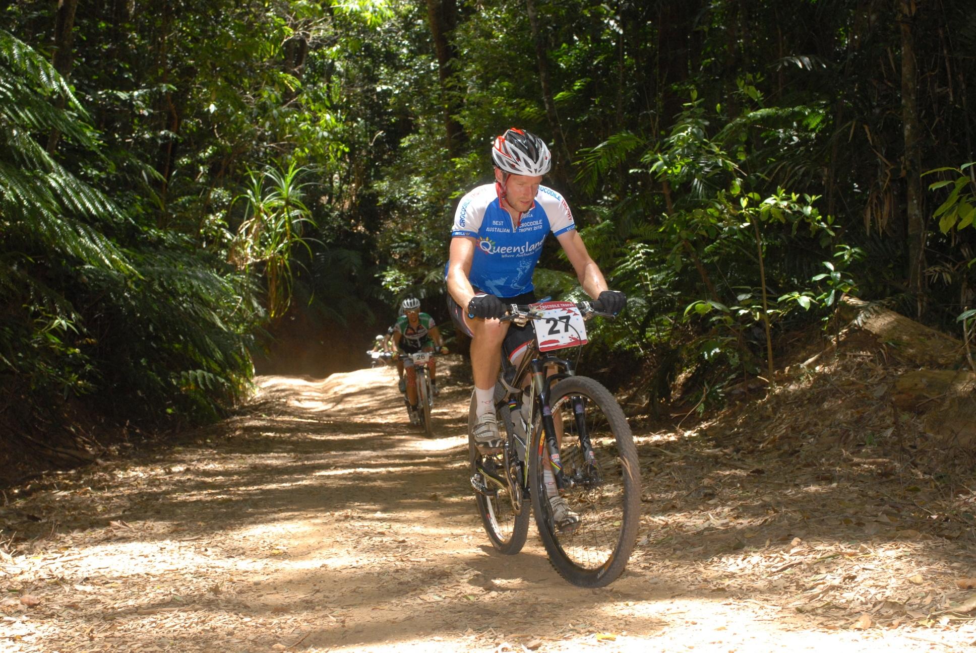 JasonEnglish_Aussie-leaders-jersey_Stage2_DSC_0193