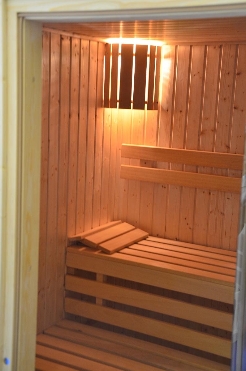 Finská sauna pojme až čtyři lidi najednou