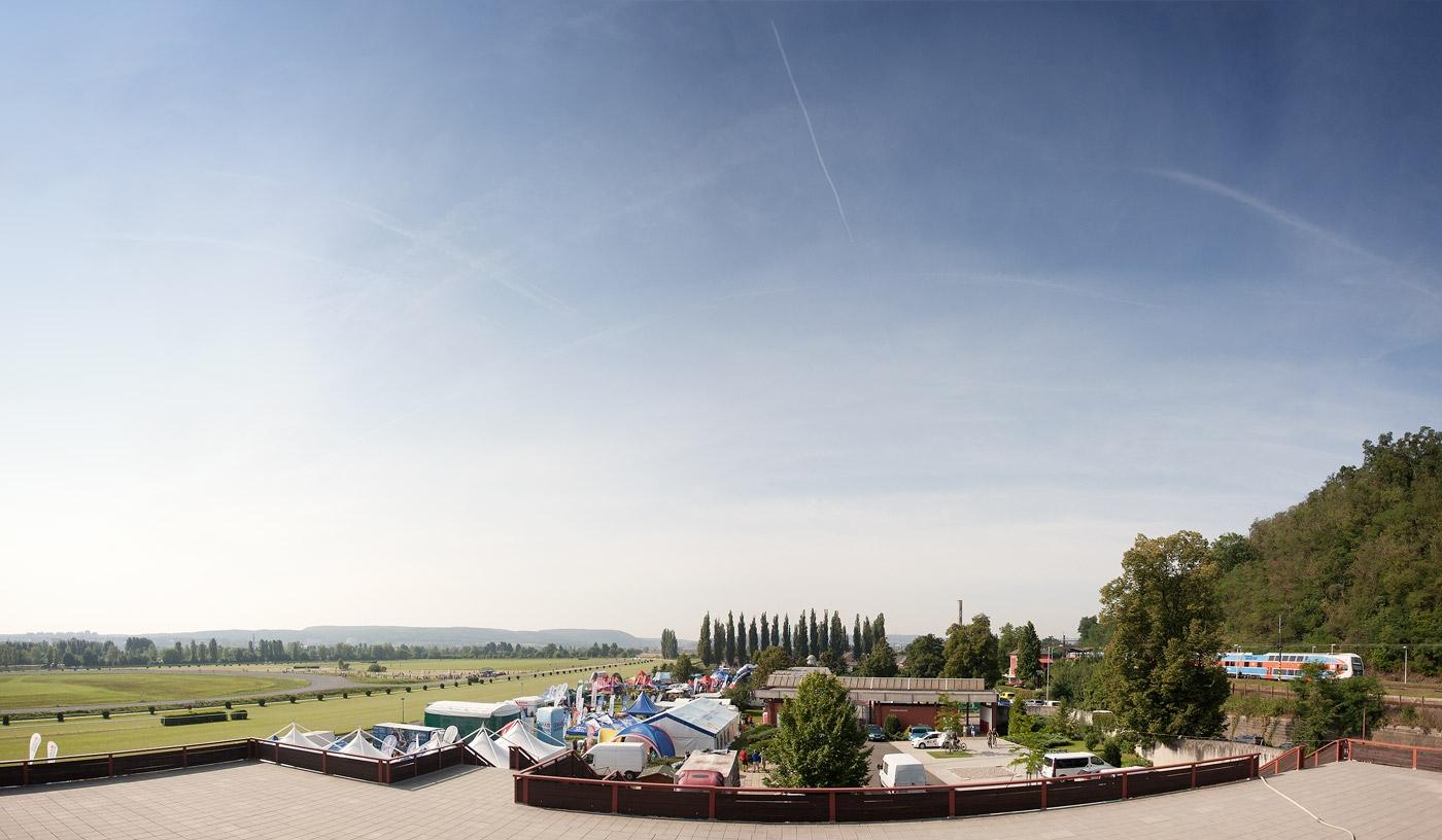 KPZ-2014-Karlstejn-panorama-web-01
