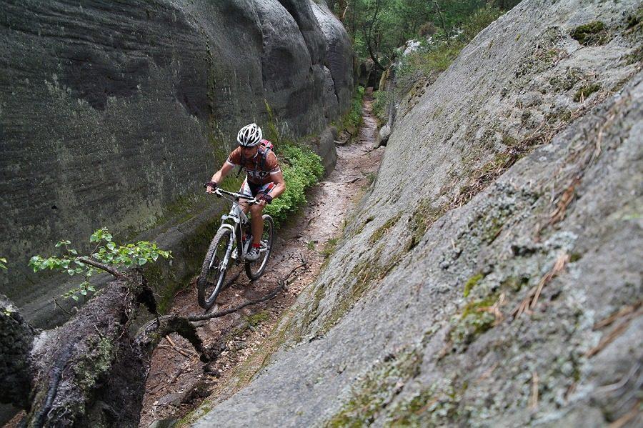Velo 9/2012 - Velo trail guide - Kokořínsko, Husí stezka