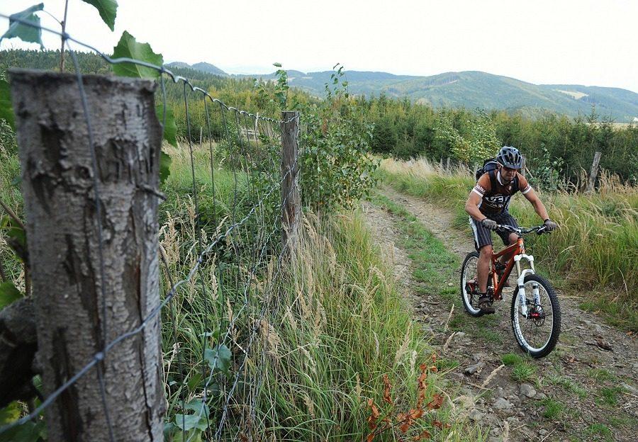 Velo 12/2012, Velo trail guide No. 17 - Hostýnské vrchy