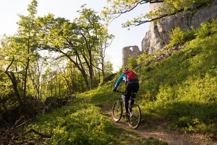 Jedeme na Slovensko - Povazsky Inovec (Velo 7-8/2015)