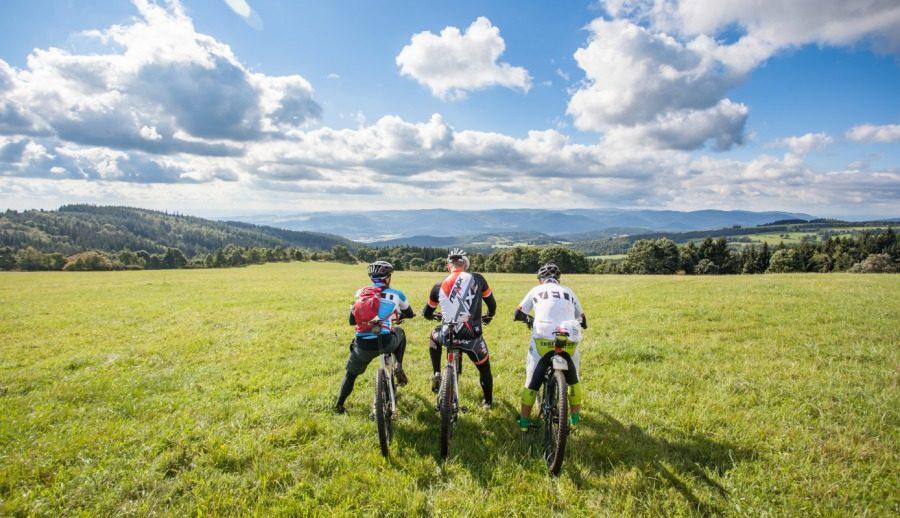 Velo 11/2015 - Velo trail guide - Kadaň