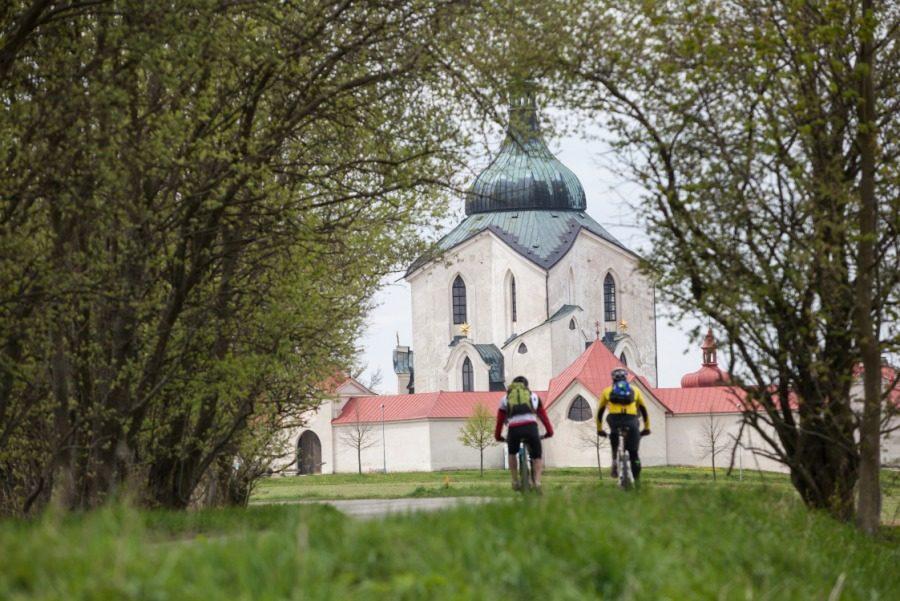 Velo 6/2017 - Velo trail guide Vysočina