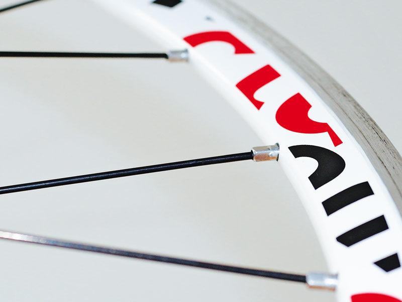 Tabulka pro výpočet délky drátů při zaplétání kol